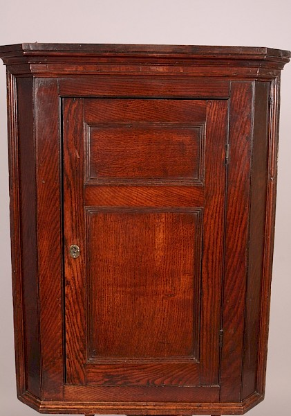 Georgian Oak Corner Cupboard super Colour