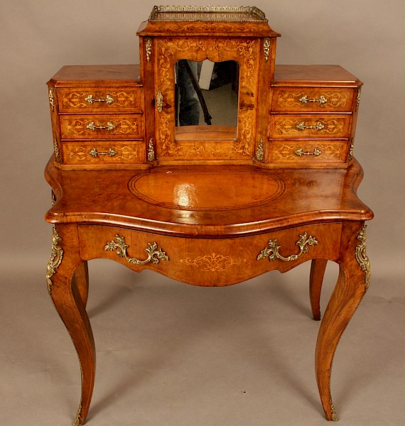 "Victorian Ladies Desk ""Bonhuer Du Jour"""
