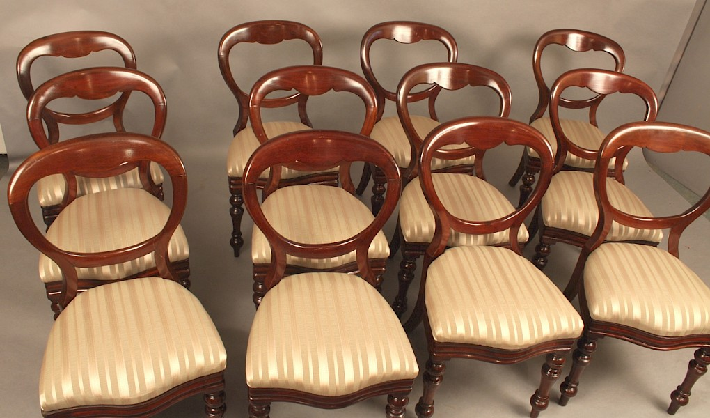 Very Good Set of 12 Victorian Mahogany Balloon Back Chairs