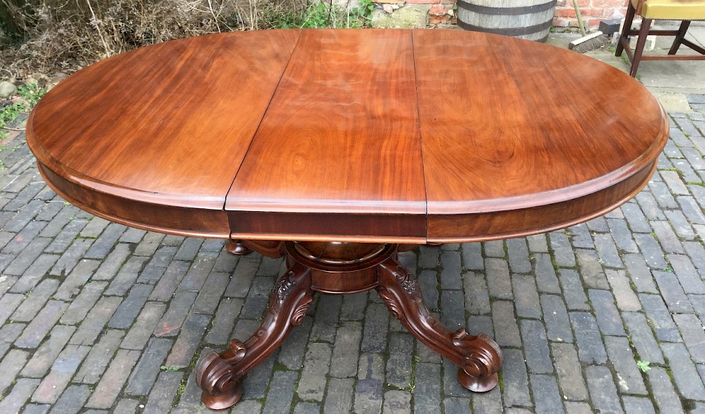 Good Victorian Centre Pedestal Extending Dining Table