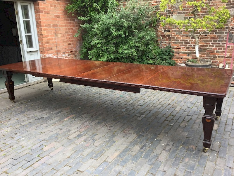 Good Victorian Mahogany Extending Dining Table seats 12
