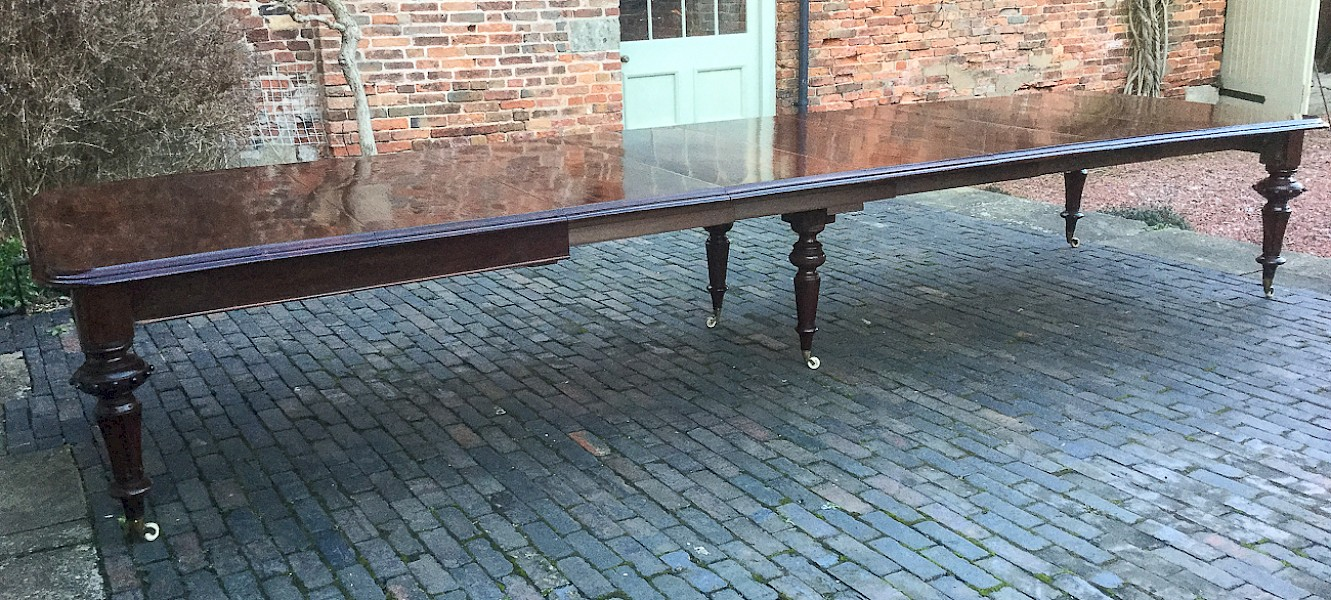 Very Large Victorian Mahogany Dining Table seats 18