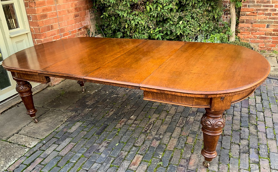 Pollard Oak Dining Table 2 leaves