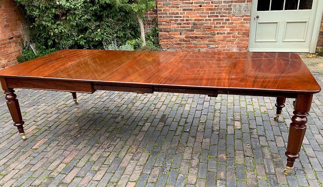 Victorian 3 leaf extending dining table seat 12