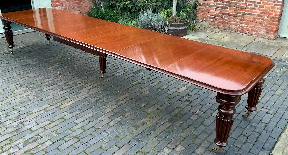 A Very Large Victorian Mahogany Dining Table Seats 16/18
