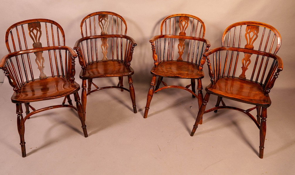 A Set of 4 Yew Wood Windsor Chairs Nicholson rockley