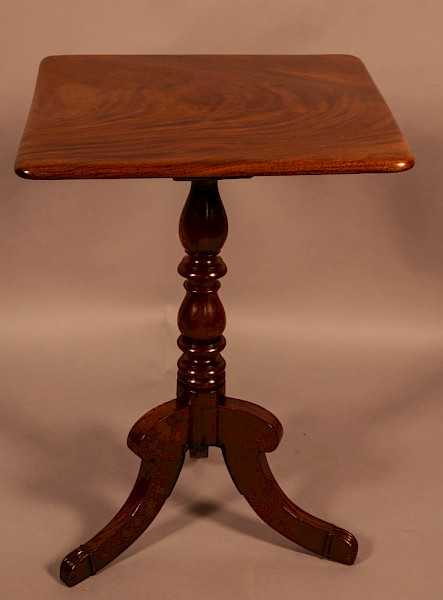 A Georgian Mahogany Tripod Table
